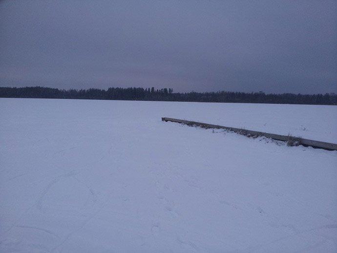 Svea-y-Pablo---Paseando-sobre-un-lago-helado---Vistas-del-lago