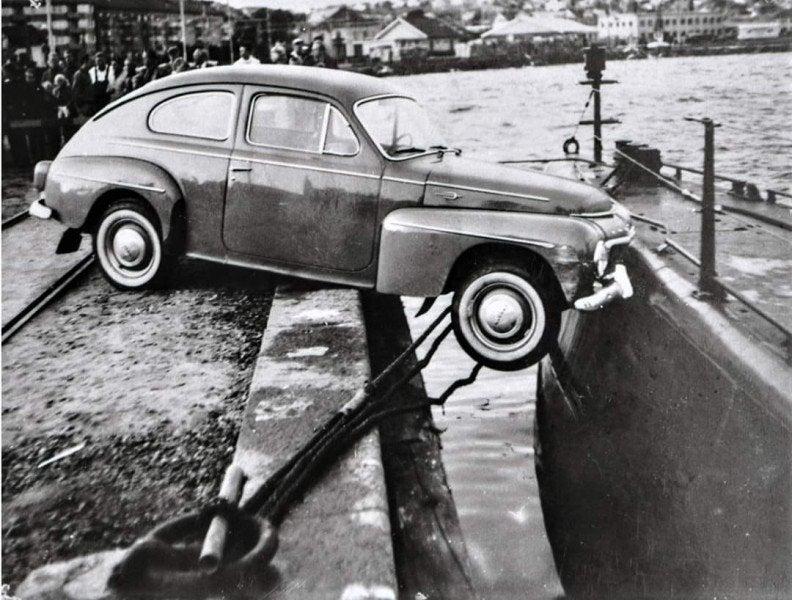 Svea y Pablo - Acontecimientos curiosos ocurridos en Suecia - El choque de coche y un submarino